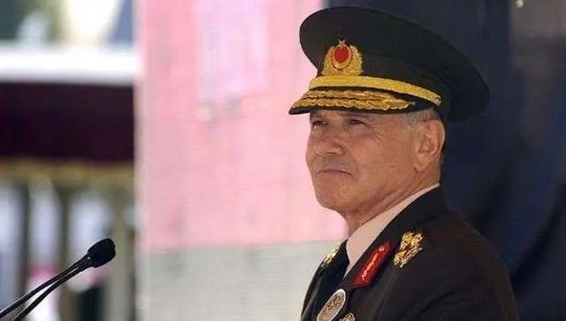 土耳其前陆军司令感染新冠肺炎去世,报确诊数才359例……
