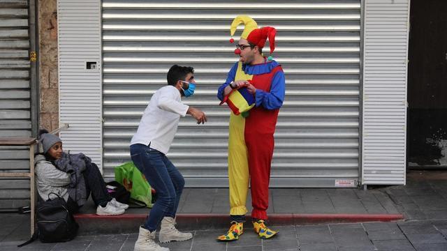 疫情怎能闹着玩!多国禁止民众在愚人节拿新冠病毒开玩笑