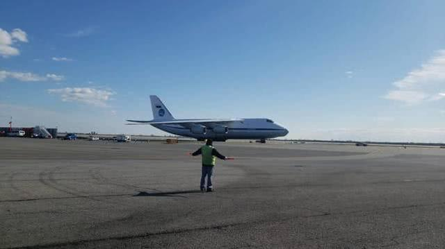 """特朗普口中""""非常大的俄罗斯运输机""""运载援助物资抵达纽约"""