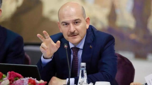 突然发布宵禁令引发抢购潮,土耳其内政部长欲辞职被总统挽留