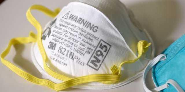 目睹同事感染后,美国10名护士因无N95口罩拒进病房而被停职  第3张
