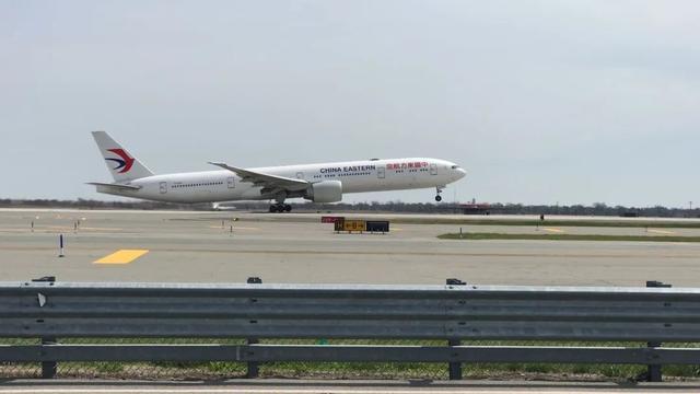 回家了!183名未成年留学生从纽约飞抵杭州