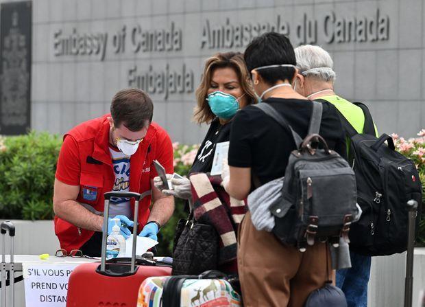 加拿大加强防疫:无症状入境者也需隔离,违者最高罚75万  第3张