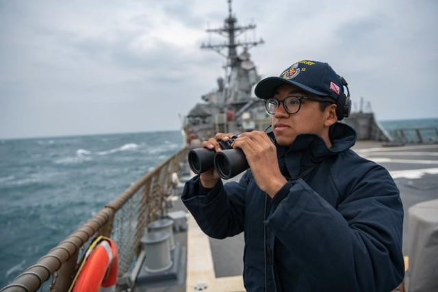 """一艘盟国军舰来援就让美军激动,""""美国""""号还能在南海折腾几天?  第3张"""