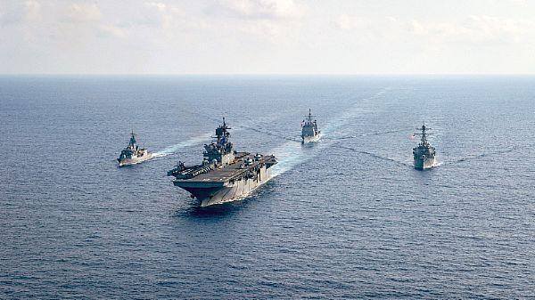"""一艘盟国军舰来援就让美军激动,""""美国""""号还能在南海折腾几天?  第1张"""