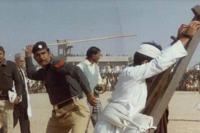 沙特宣布正式废除鞭刑 将用监禁、罚款等处罚替代  第3张