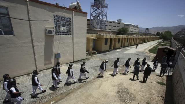 防范新冠病毒在监狱传播,阿富汗将释放超1.2万名囚犯