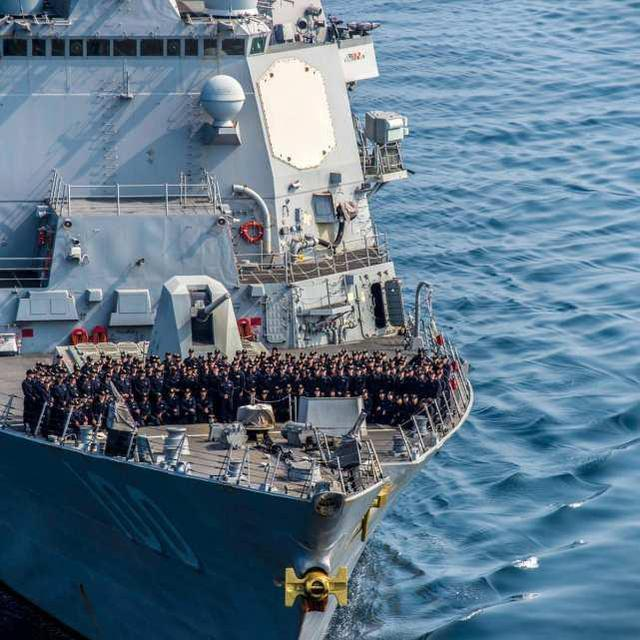 """美海军""""基德""""号驱逐舰已有47名水手确诊,正返回港口控制疫情  第2张"""