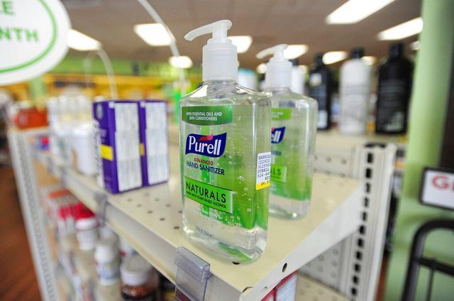 防止有人为杀灭病毒而误喝 美国FDA要求厂家让洗手液的味道变苦  第2张