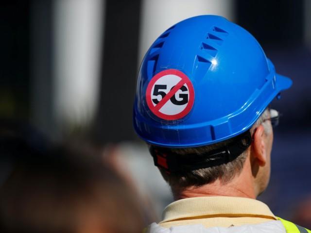 """5G造成 新冠""阴谋广为流传,美国现有77座移动信号塔遭放火  第3张"
