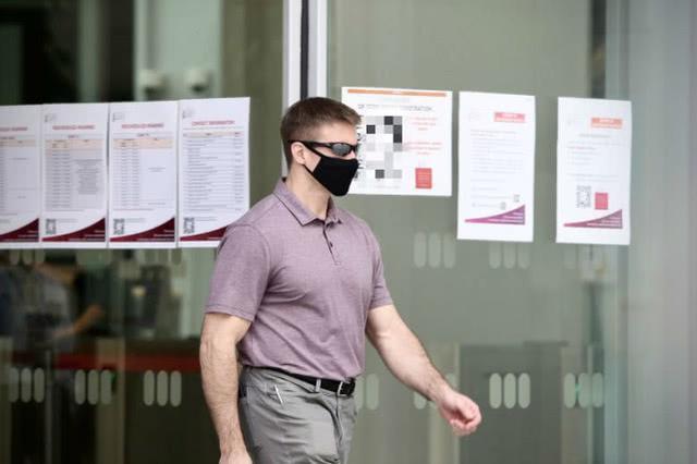 英国航空员在马来西亚违背疫防严禁外出,遭遇4周囚禁  第1张