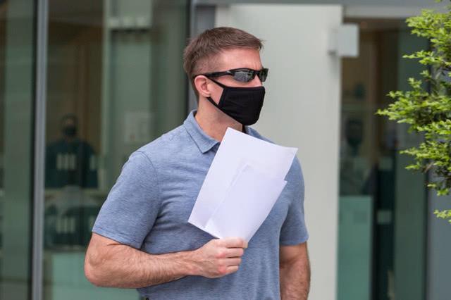 英国航空员在马来西亚违背疫防严禁外出,遭遇4周囚禁  第2张