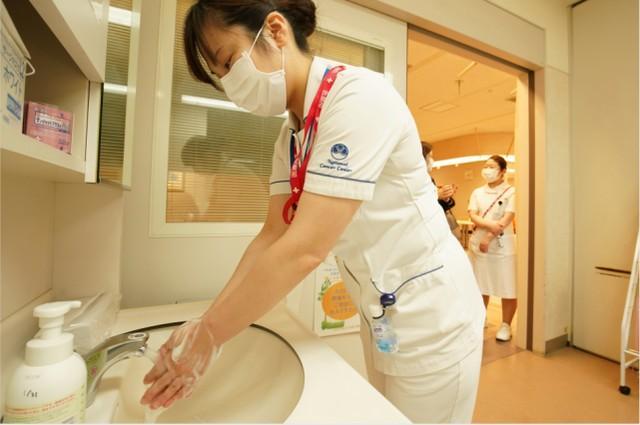 日本国全镜解除限制后肺炎疫情反跳 东京都、大阪等地爆发团体感柒