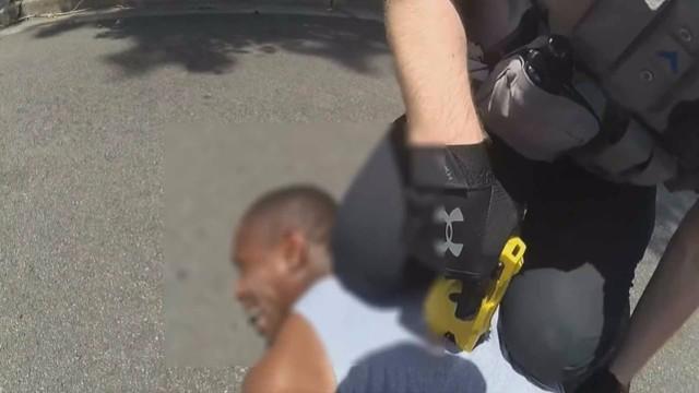 """非裔美国人未做激怒姿势仍遭警员高压电击:""""我不能吸气了!""""  第3张"""