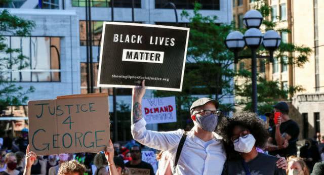 纽约省长:川普的观点和作法造成抗议者源源不绝  第2张