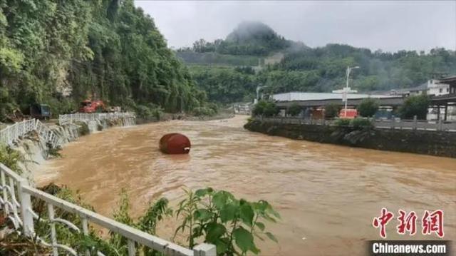 大暴雨 强台风 新一轮大暴雨!栖身中国南方的下雨天不停了?  第3张