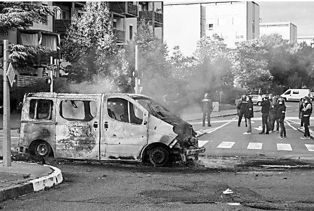 平复围殴恶性事件 法国警察又逮捕五名车臣闹事者  第1张