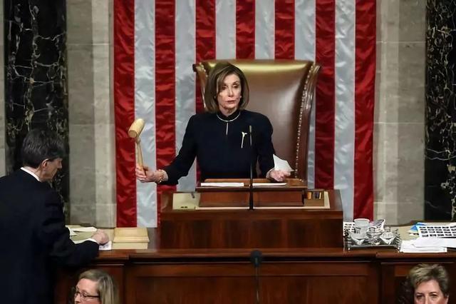 """规定美国议员参加听证制度时佩戴口罩,佩洛西也""""怕了""""?  第1张"""