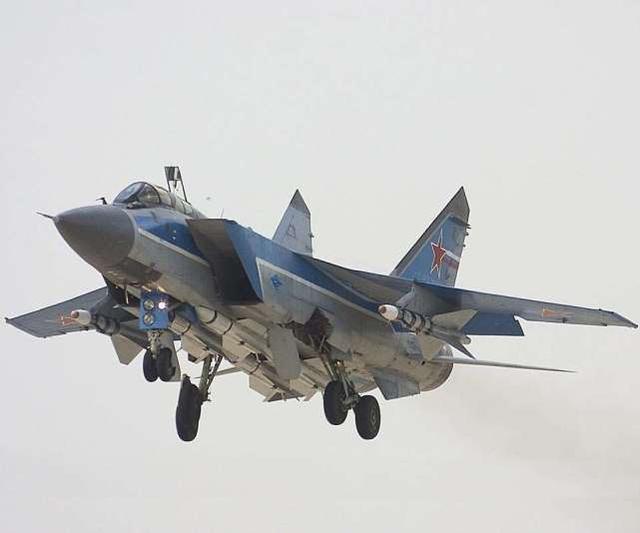 以2美元价钱售卖雅克-31战斗机 俄高官逃跑9年后被抓  第1张