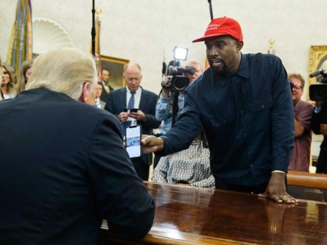 """嘻哈歌手""""kanye""""在俄克拉何马州备案竞选特朗普总统  第3张"""