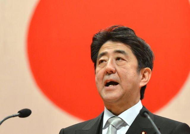 """日本在建""""慰安妇""""塑像引强烈反响:塑像前跪着的小伙像安倍晋三  第2张"""