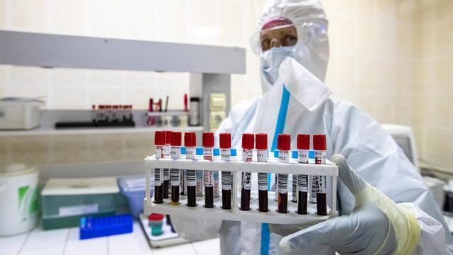 乌克兰将要准许新冠预苗发售,高官:如同放卫星一样变成世界第一  第1张
