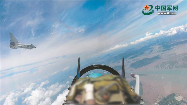 """台湾媒体曝中国人民解放军战斗机飞跃""""亚欧中心线""""关键点  第2张"""