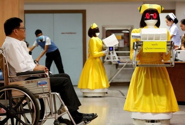 """我国产""""智能机器人护理人员""""在意大利医院门诊入岗  第1张"""