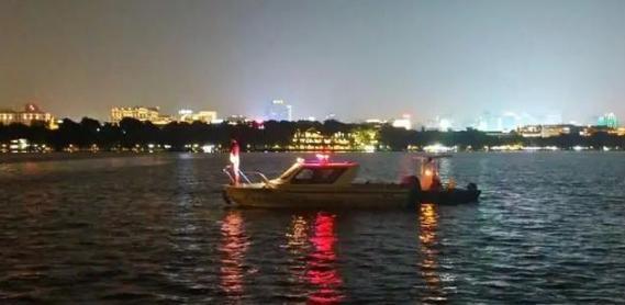 小伙仰着掉下杭州西湖,任何人忙了一夜……结果令人无奈  第2张