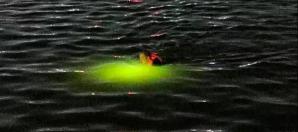 小伙仰着掉下杭州西湖,任何人忙了一夜……结果令人无奈  第4张