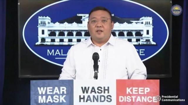 菲律宾总统新闻发言人:不容易追随美国制裁我国南海造岛公司