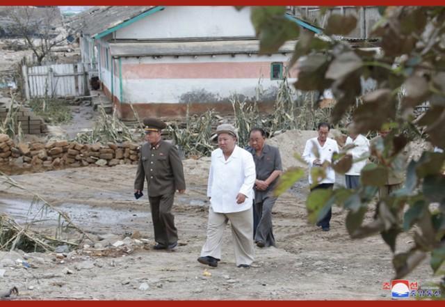 金正恩亮相,在强台风受灾地区布署抗灾并调查  第5张