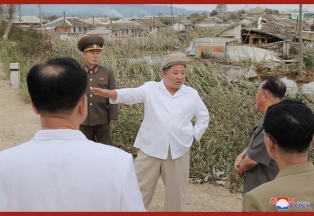 金正恩亮相,在强台风受灾地区布署抗灾并调查  第3张