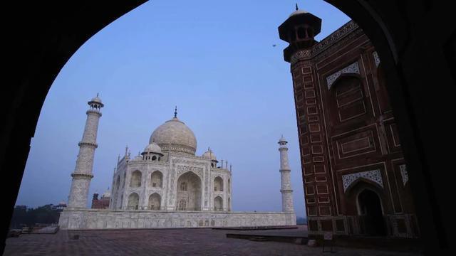 印度媒体:在印度严格防范中国人之前,中国游客现在是第一个参观泰姬陵的
