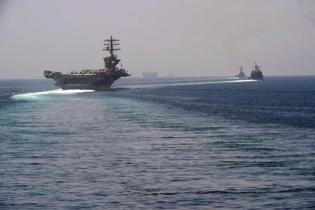 美国航空母舰攻击该组织进入波斯湾,伊朗海军指挥官警告说,如果有必要,它将瞄准  第2张