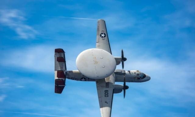 躲在第一岛链外面恐吓中国?里根号航母战斗群在菲律宾海域高调演习  第3张