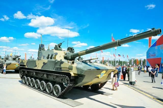 印度媒体称,印度军队正在购买冬装和轻型坦克,可用于中印对抗  第1张
