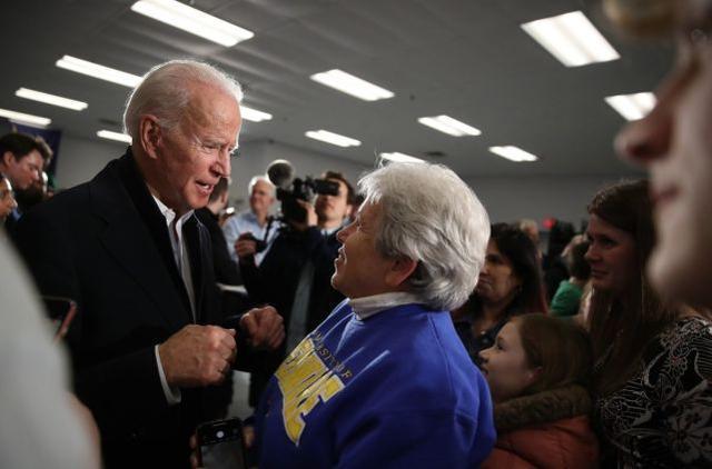 """拜登""""吓坏""""了佛罗里达州的老人:你是特朗普的""""牺牲品""""  第1张"""