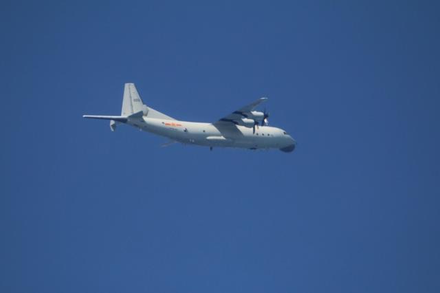 20小时内第三次!解放军军用飞机再次进入台湾西南部领空巡航  第1张