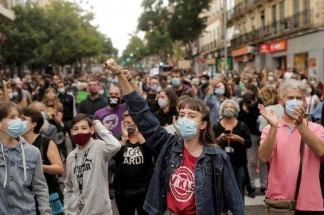 随着第二波流行病席卷整个欧洲,法国的新病例数在一天之内创下历史新高  第3张