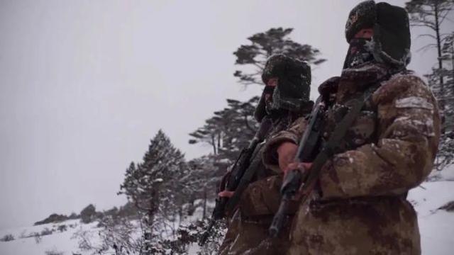在大雪封山之前,我军的关键设施都投入了使用  第9张
