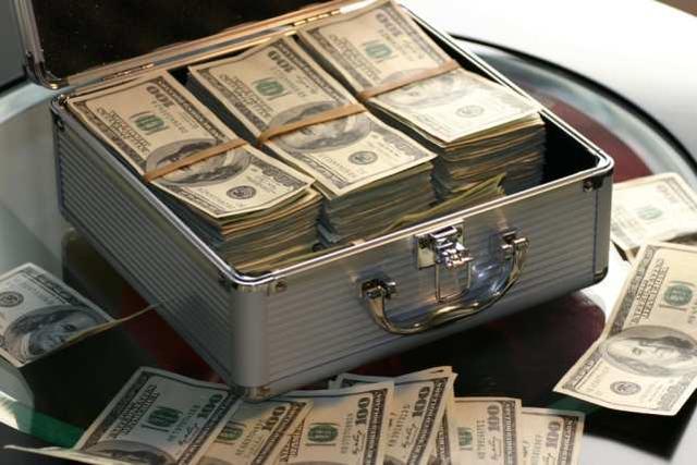 美国历史上最大的逃税案件:涉案的20亿美元科技大亨被控39项罪行  第3张