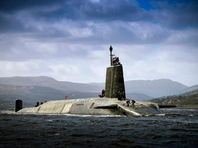 英国核潜艇丑闻不止是疫情!负责核弹的官员在工作时喝醉了  第2张
