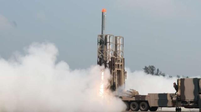 不再依赖外国?印度宣布成功完成第三代反坦克导弹试验  第3张