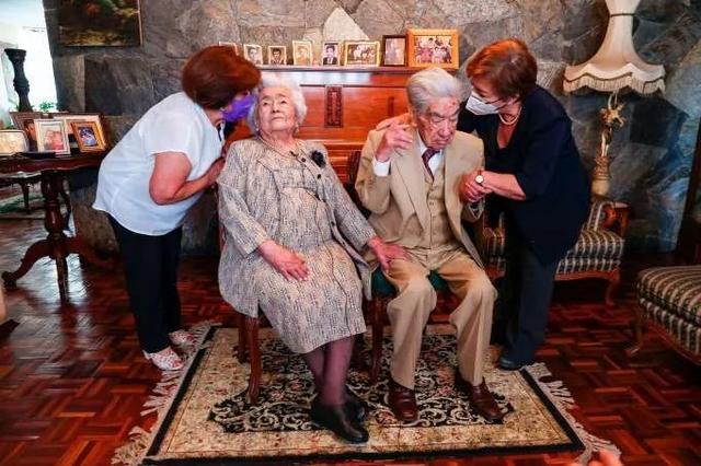 世界上最长寿的夫妇去世了
