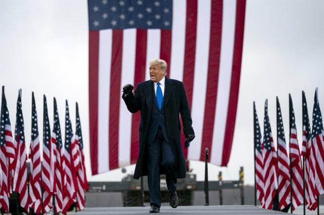 特朗普竞选网站涉嫌被黑,并发布了一份文件,称美国政府与新冠肺炎的来源有关