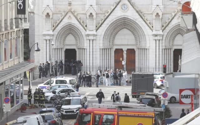 再次用刀攻击!法国驻沙特阿拉伯领事馆遭到袭击,一名警卫受伤  第2张