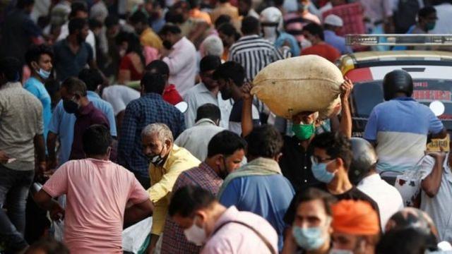印度人对新冠肺炎更免疫?新的研究声称恶劣的卫生条件和不干净的饮用水反而是优势  第4张