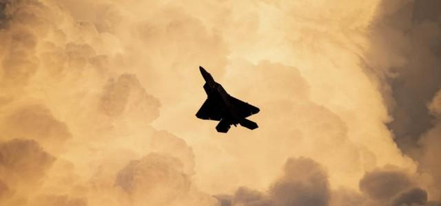 美国媒体:战争期间,歼20负责追捕美国背后的重要大型飞机,但有两个缺点  第3张