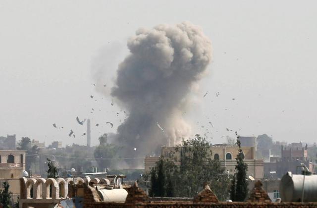 再次轰炸石油设施?沙特阿拉伯声称摧毁了胡塞武装部队的两艘自爆艇和五架无人驾驶飞机。  第3张